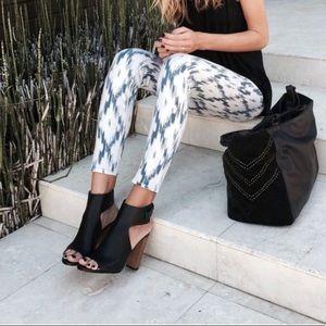 Paige. Alexandria Verdugo ultra skinny. Size 27